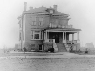 Then and Now Exhibit: Cahoon Mansion, 1904